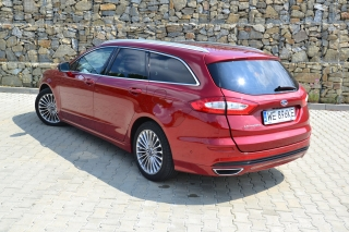 ford_mondeo_2016_14