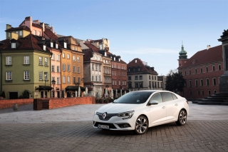 renault_megane_ grand_coupe_09