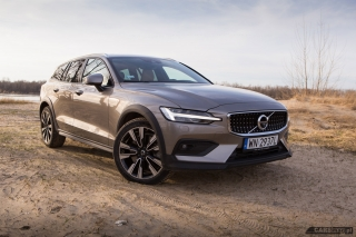 volvo-v60-cross-country-2019-01
